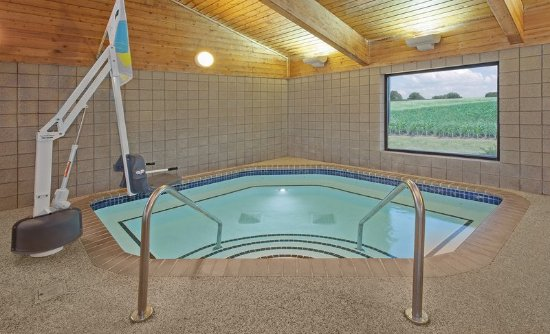 AmericInn Hotel & Suites Webster City: whirlpool