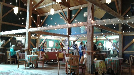 Brownfield, ME: Stone Mountain Arts Center Bar/Reception Barn