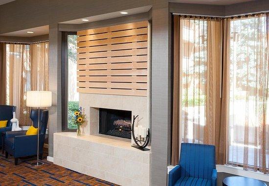 Glenview, IL: Lobby Fireplace Area