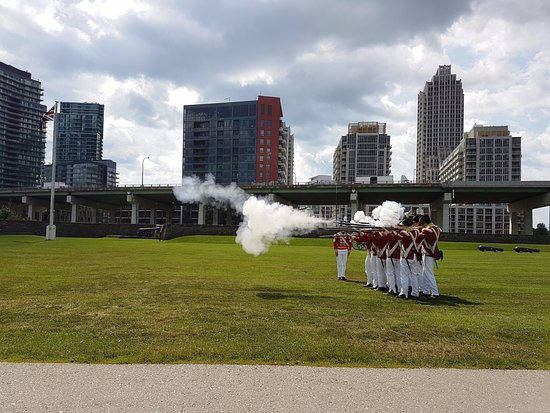Fort York National Historic Site: Musket drill
