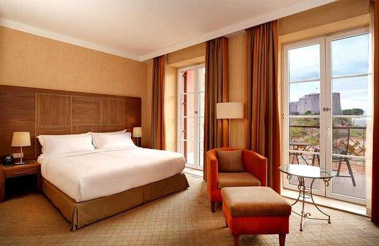 Hilton Imperial Dubrovnik: King Executive sea view room