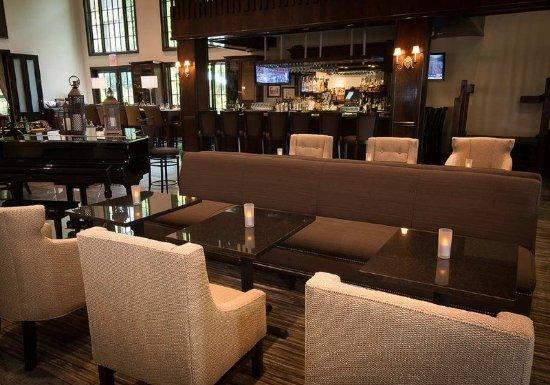 Fairfield, NJ: Bar Area