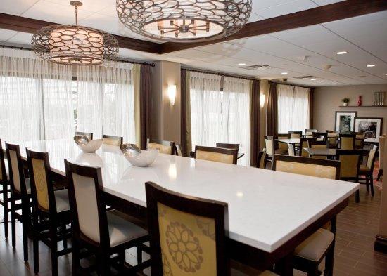 Ridgefield Park, NJ:  Lobby Community table