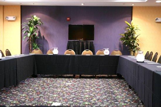 Lewisville Restaurants With Meeting Rooms