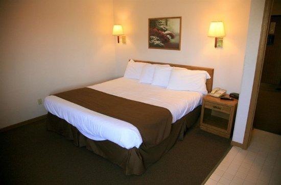 Norfolk, NE: Guest Room