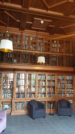 B+B Edinburgh: The Library