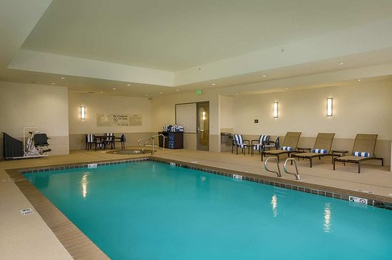 Hampton Inn & Suites Salem 사진