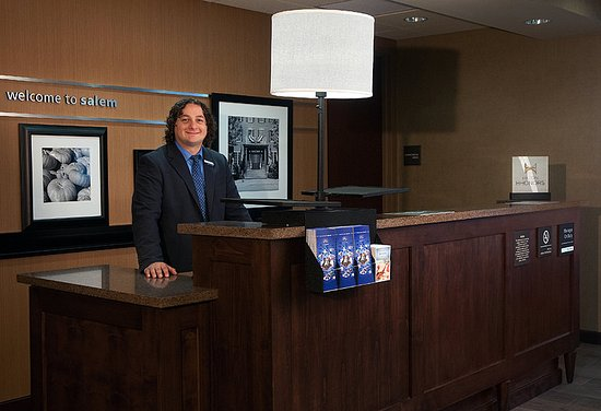 Hampton Inn & Suites Salem: Experience our Hamptonality