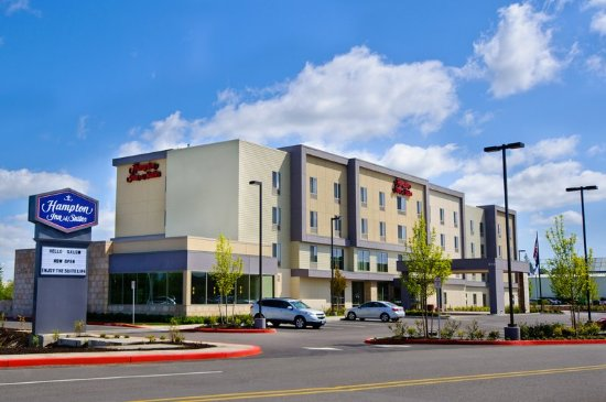 Hampton Inn & Suites Salem: Welcome to Salem