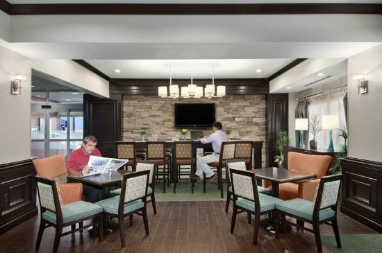 Hampton Inn Vernon: Perfect Mix Lobby