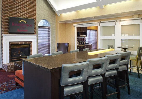 Southern Pines, NC: Lobby – Sitting Area