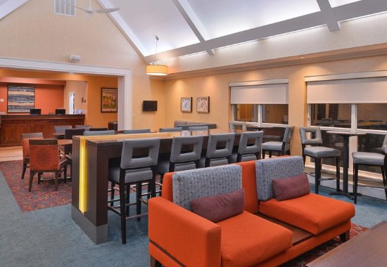 Southern Pines, NC: Lobby