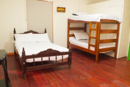 Casa Colonial Hostal: Habitaciòn familiar