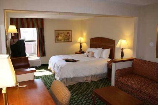 Poland, OH: Guest Room