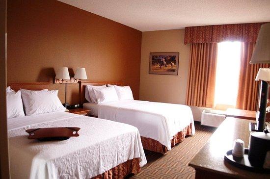 Hampton Inn & Suites Flagstaff: 2 Queen bed