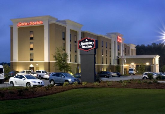 Welcome to our Hampton Inn & Suites Savannah Airport!