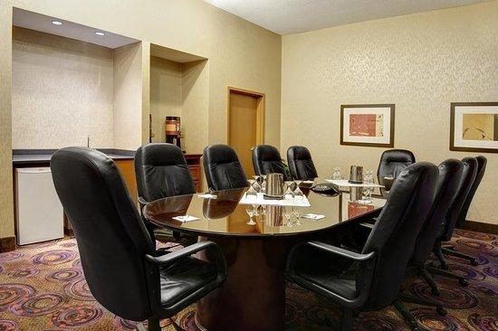 Hampton Inn & Suites Langley Surrey : Executive Board Room