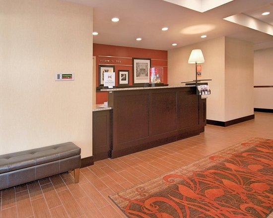 Hampton Inn Troy: Hotel Lobby