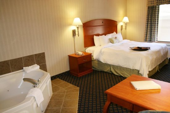 Jamestown, NY: King Bedroom w/Whirlpool