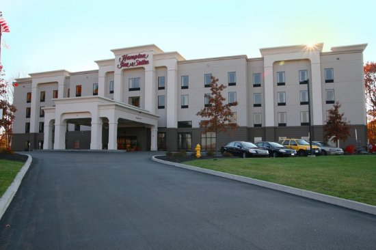 Jamestown, NY: Front of Hotel