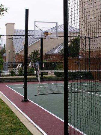 Irving, تكساس: Sports Court