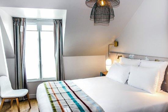 Comfort Hotel Place Du Tertre  Paris