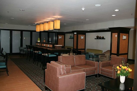 Defiance, OH : Lobby / Dining Area
