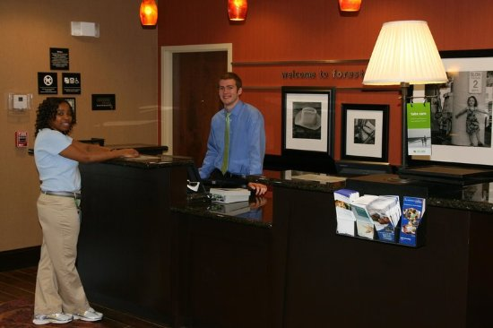 Forest Hill, Τέξας: Front Desk
