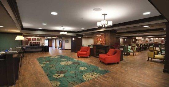 New Albany, MS: Lobby
