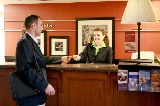 Victor, NY: Front Desk