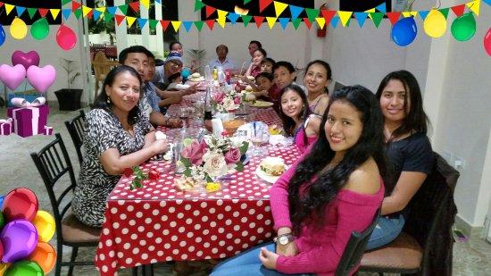 Sabor Espanol: Gracias a esta gran familia de Puerto Lòpez por su confianza y referencia. Un placer atenderles.