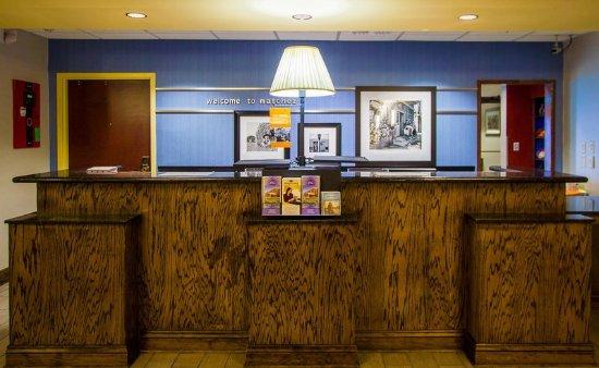 Hampton Inn & Suites Natchez: Check-In