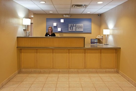 Vermilion, OH: Front Desk