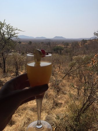 Impodimo Game Lodge: welcome drinks