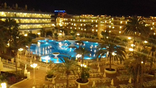 Mediterranean Palace Hotel: view of pool from balcony