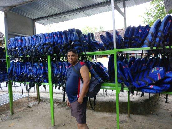 Cave Tubing Goa Pindul: Life jackets