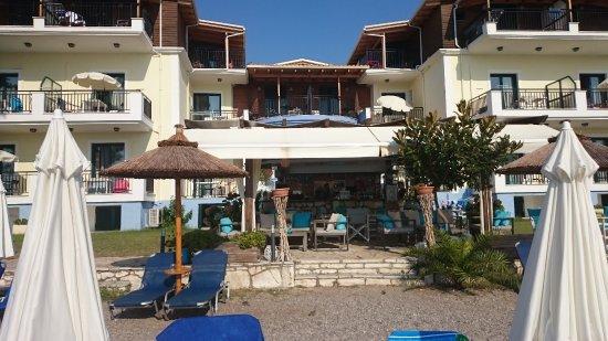Perigiali, Greece: Hotel from the beach