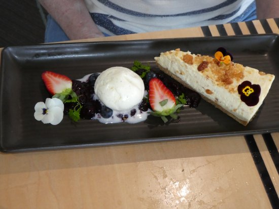 Coolum Beach, Australia: Cheesecake dessert