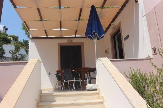 Mirtos, Grèce : our patio !