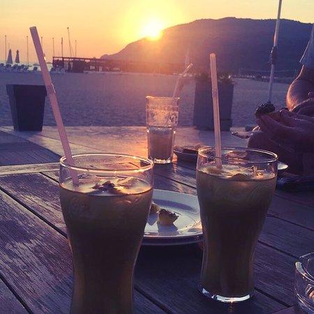 Club Med Cargese: Coucher de soleil sur la plage