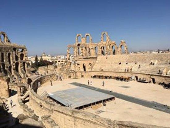 El Jem Amphitheatre: амфитеатр Эль Джем