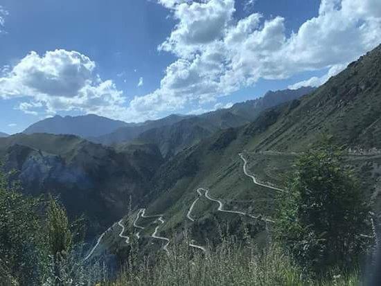 Naryn, สาธารณรัฐคีร์กีซ: il percorso per raggiungere il passo