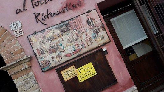 Al Pozzo Antico: la facciata del Ristorantino, situata in Via Roma, 34/36 a Mondaino RN