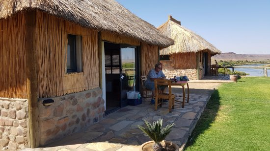 Noordoewer, Namibië: Cabana - a spacious room and shower room. The room has a small bar fridge. Comfy bed and linen.