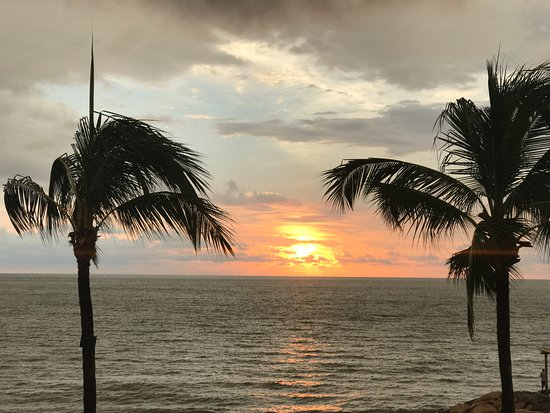 Villa Premiere Boutique Hotel & Romantic Getaway: Sunset from our room