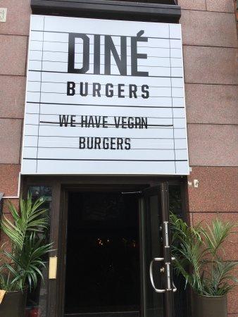 DINÉ Burgers