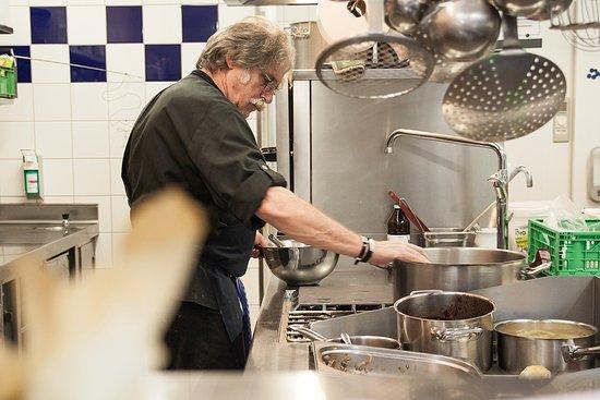 Bioland Hof - Restaurant Voigt: Holger Oestmann bei der Arbeit