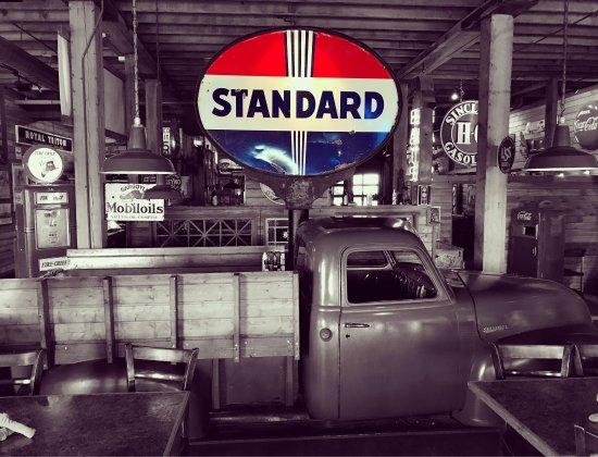 Sparky's Garage: photo0.jpg