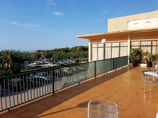 Hotel Sant Jordi : Es la terraza del hotel... pero es la misma vista desde la habitación