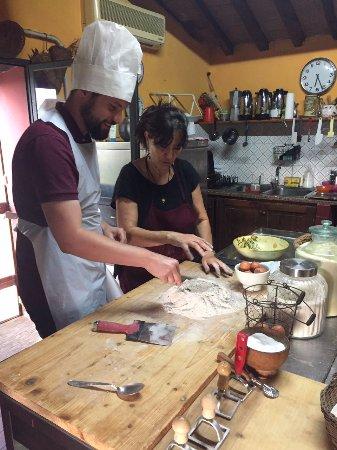 Barberino Val d'Elsa, Italien: Hier wird der Teig für die Ravioli gemacht.